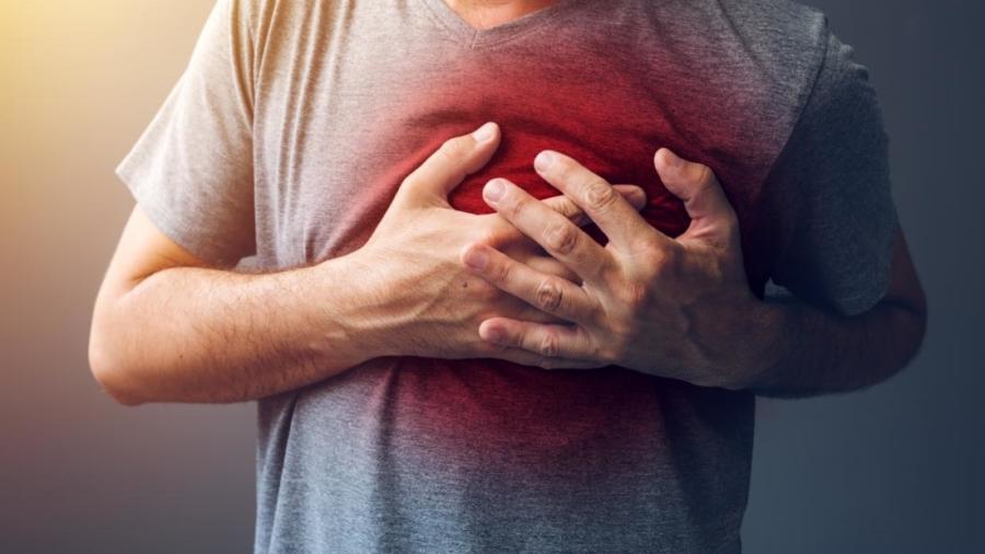 man-having-heart-attack